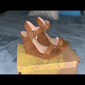 Cognac/bronze wedges size 8